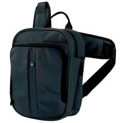 Сумка VICTORINOX Deluxe Travel Companion, с наплечными ремнями, чёрная, нейлон 800D, 21x10x27 см, 6л \ 31174201
